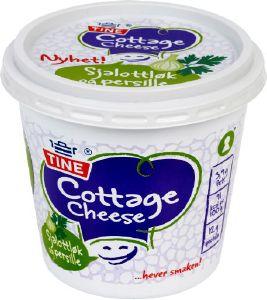 Les mer om Tine Cottage Cheese Sjalottl�k og persille hos oss.