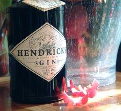 Prøv også Hendrick s gin.