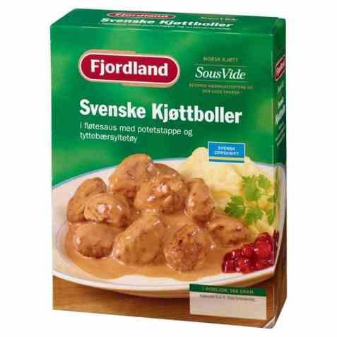 Bilde av Fjordland Svenske kjøttboller i fløtesaus med potetstappe og tyttebærsyltetøy.
